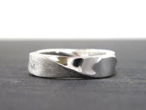 18K Mobius Wedding band - 5mm Mobius Ring In 18k White Gold, Mobius Wedding Ring