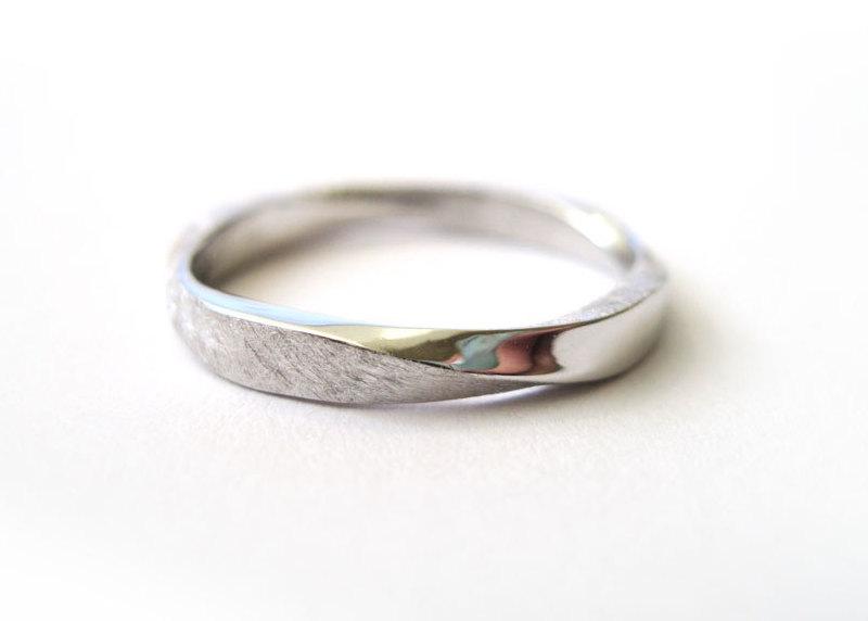 Mobius Wedding Band, 3mm Mobius Stacking Ring In 18k/14k Gold