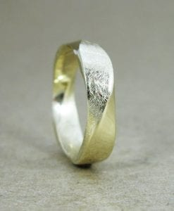 Mobius Wedding band, 5mm Mobius Ring In 14k Gold