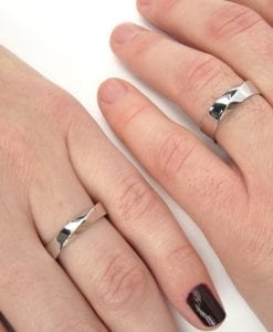 Mobius wedding band set, His And Hers Wedding rings set