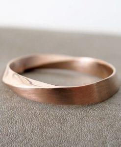 Rose Gold Mens Wedding Band, Unisex Mobius Wedding Ring