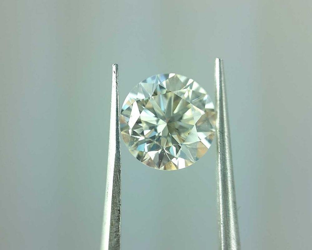 Round lab created diamond